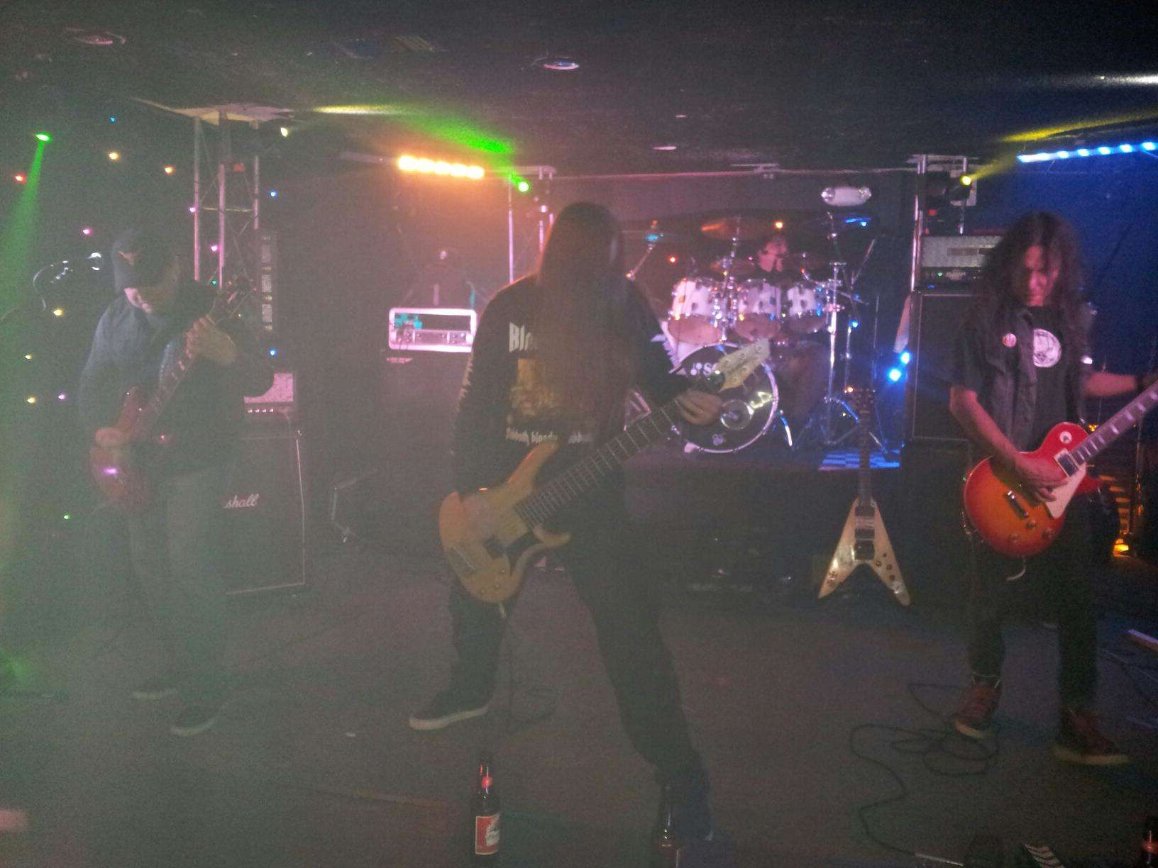 live-9